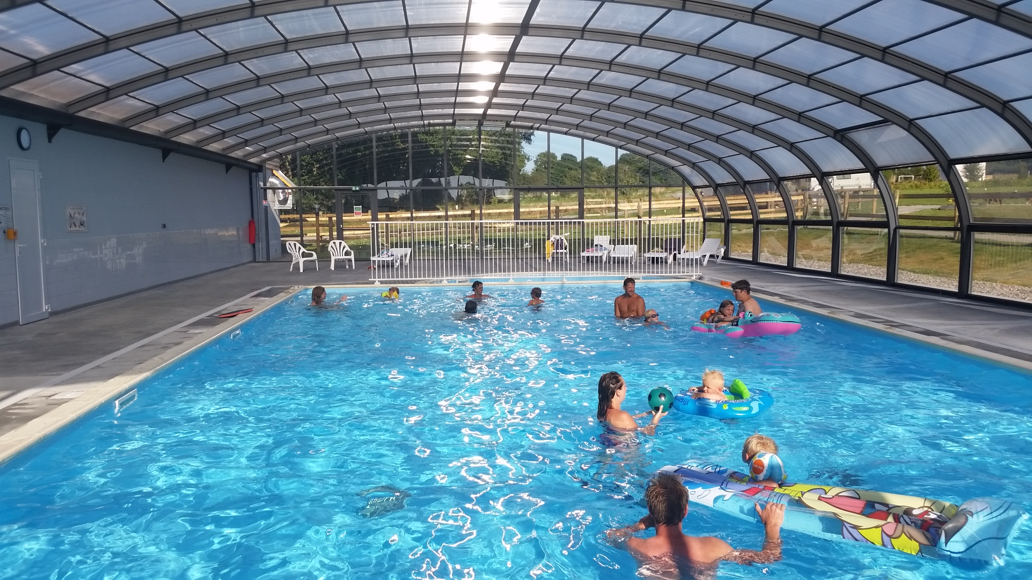 Camping 4 toiles granville camping piscine c te normandie for Piscine couverte normandie